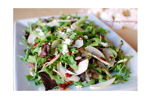 Image of Asian Pear And Gorgonzola Salad With Pomegranate Vinaigrette, Foodista