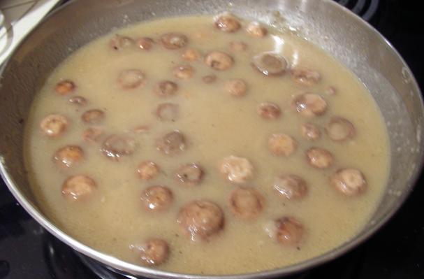 Image of A Must Mushroom Gravy, Foodista