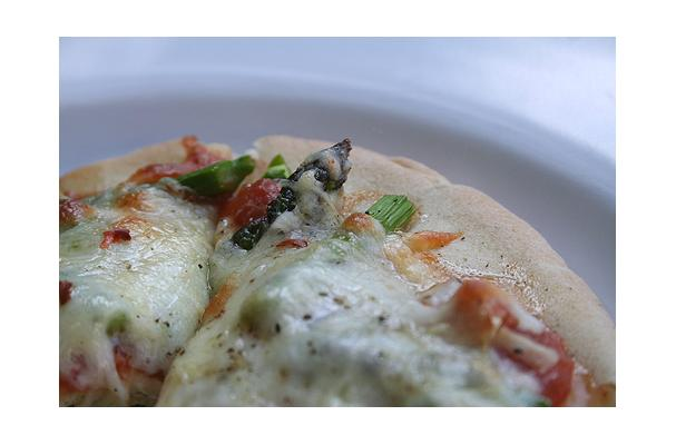 Image of Asparagus And Red Pepper Pizza, Foodista