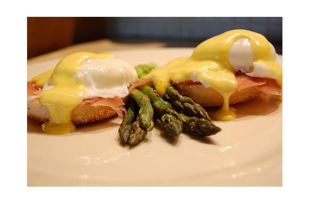 Image of Asparagus Eggs Benedict, Foodista
