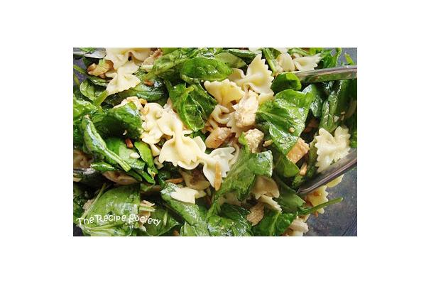 Image of Asian Spinach Chicken Salad With Bowtie Pasta, Foodista