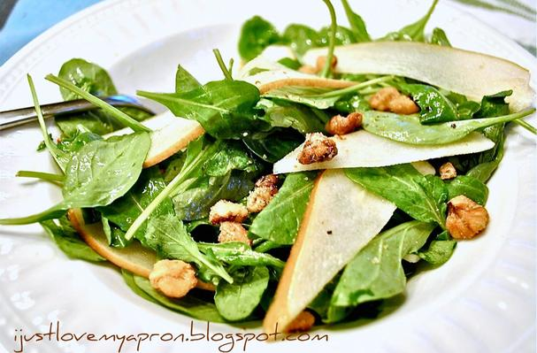 Image of Arugula And Pear Salad With Toasted Walnuts, Foodista
