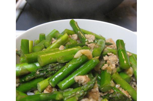 Image of Asparagus With Ground Pork, Foodista