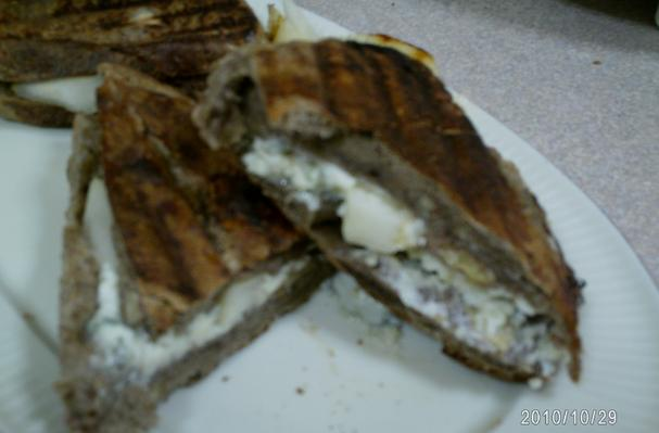 Image of Asian Pear With Gorgonzola On Fig & Walnut Bread Panini, Foodista