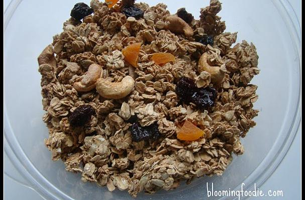 Image of Awesome Granola / Trailmix, Foodista